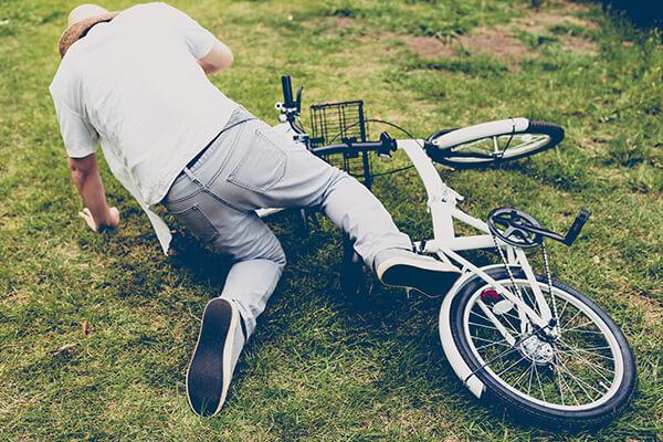自転車から転倒