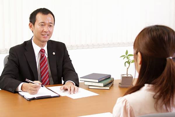 弁護士大澤一郎による交通事故相談風景